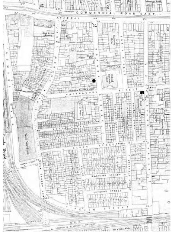 Dutfield's Yard, where Elizabeth Stride was murdered. It was outside the Bee Hive that Louis Diemschutz told Edward Spooner about the murder.