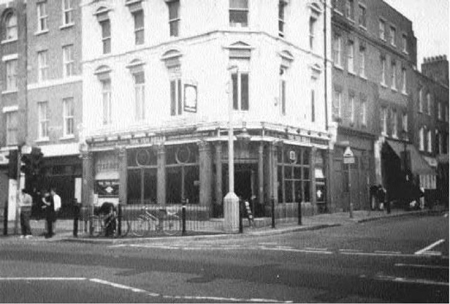 The Ten Bells public house, where Mary Jane Kelly was a frequent customer. The Ten Bells briefly changed its name to the Jack the Ripper from 1976 to 1988. The interior contains some fascinating Ripper exhibits.