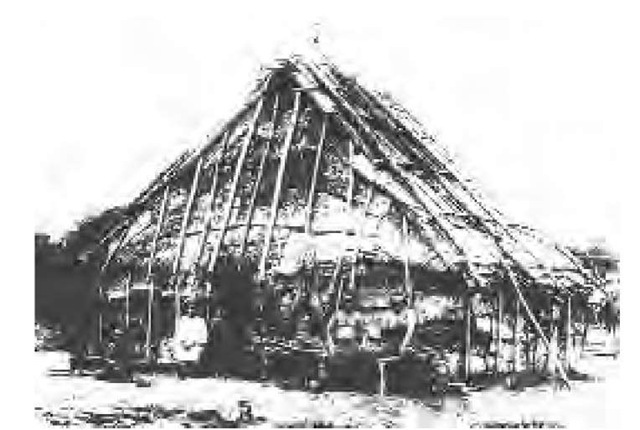 Extended families of roughly 10 people lived in houses about 50 feet long and 20 feet wide and covered with elm bark, as depicted in this photo. These houses were oriented in an east-west direction and were built in parallel rows, with an open game and ceremonial area in between.