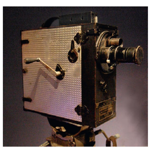 An old hand-cranked camera (Museum of the Moving Image).