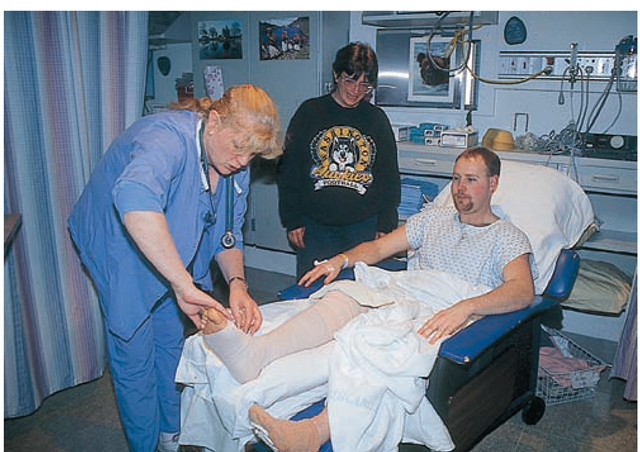 post operative nursing Immediately after your surgery, you may be taken to the recovery room, also called the post-anesthesia care unit or pacu you will be there for approximately one to two hours.